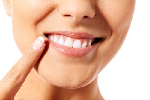 口元の印象が清潔感を左右する!?好感が持てない口元は「歯」が原因だった!