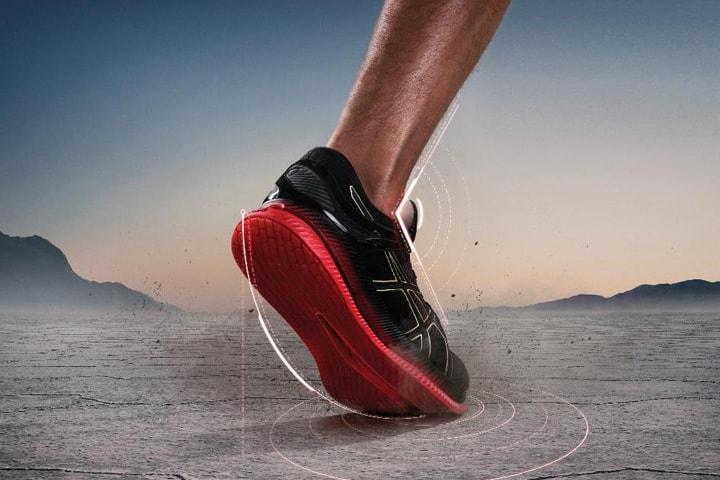 アシックスから、より少ない力でより長く走れるランニングシューズ「METARIDE」新発売