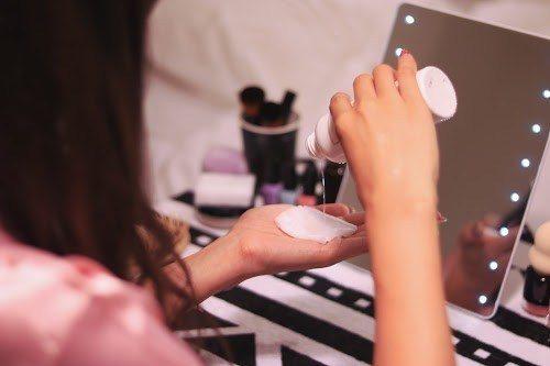 美容のプロも超愛用!「ふきとり化粧水」でやわらか美肌を作る方法