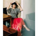 赤スカートのおすすめ春コーデ5選。トレンドアイテムとの着こなし
