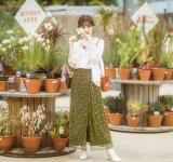 【今日のコーデ】ニュアンスがおしゃれ♡花柄スカートの着こなし