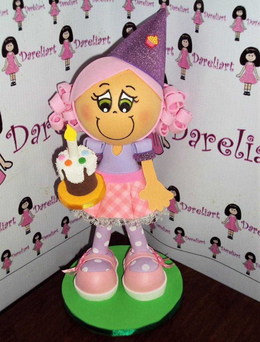 Boneca Aniversariante Com Bolo Em Eva 3d 23 Cm