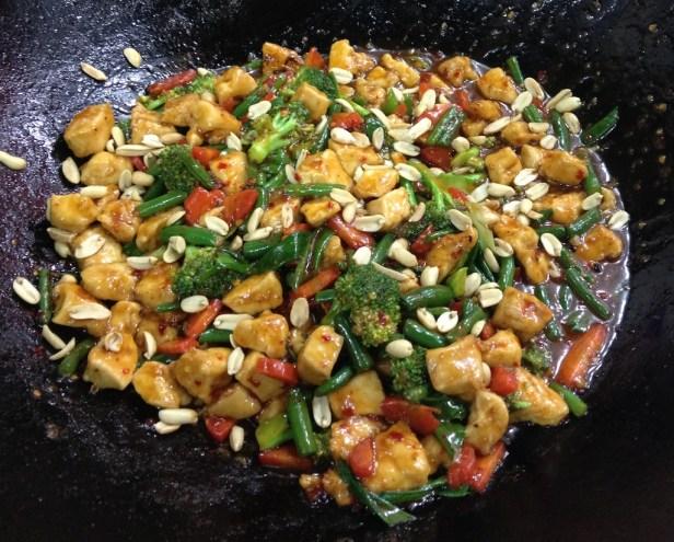 Kung Pao Chicken - Sprinkling PeanutsKung Pao Chicken - Sprinkling Peanuts