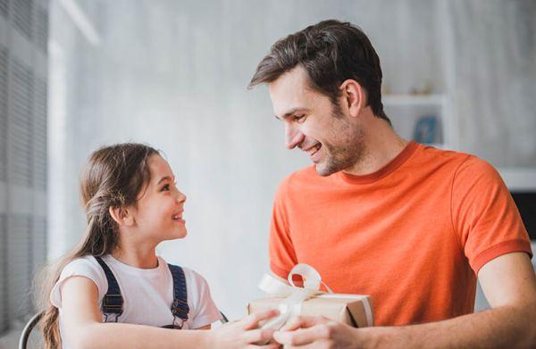 143+ идеи Что подарить Папе от ребенка на День Рождения в ...