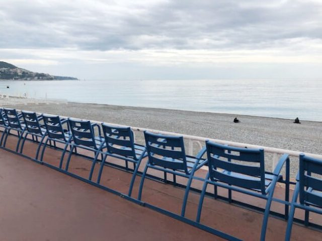 Bleu chairs Nice e1525803377691 - Photo Diary | Citytrip naar Nice #1