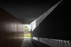 548125b1e58ece2a3a000067_b-b-house-studio-mk27_mk27_casa_b_b_fernando_guerra-14--1000x666