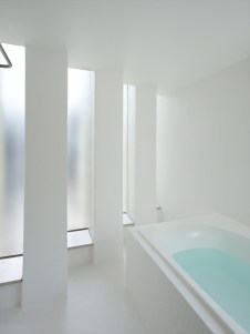 5144ab99b3fc4b88c6000074_house-in-muko-fujiwarramuro-architects_higashimuko222000-750x1000