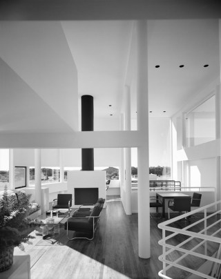 5329e96cc07a80c2d00000c0_ad-classics-saltzman-house-richard-meier-partners-architects_51ee-018