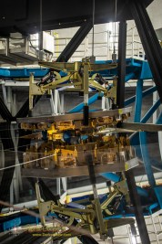 Lifting segment 4-76 out of the Keck 2 primary mirror for re-coating and repair