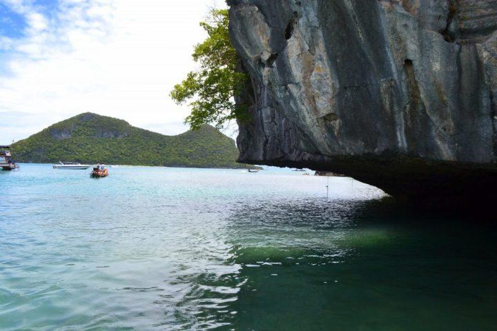 cliff overhang at Ang Thong