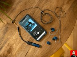 audioquest-dragonfly-cobalt-1
