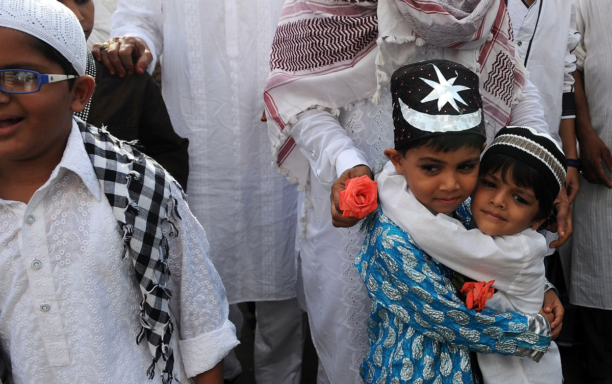 Image result for philioine muslim children -printrest -alamy