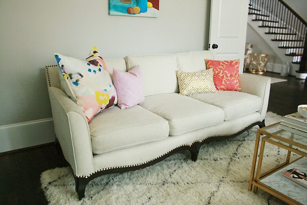 Astonishing Before After White Sofa Darling Darleen A Lifestyle Squirreltailoven Fun Painted Chair Ideas Images Squirreltailovenorg