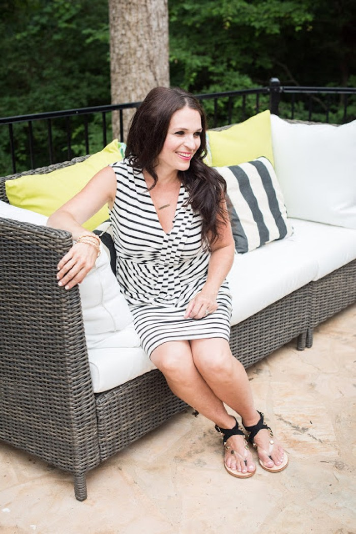 Modern outdoor living space with sofa and wicker chair | Darling Darleen Top CT lifestyle blogger
