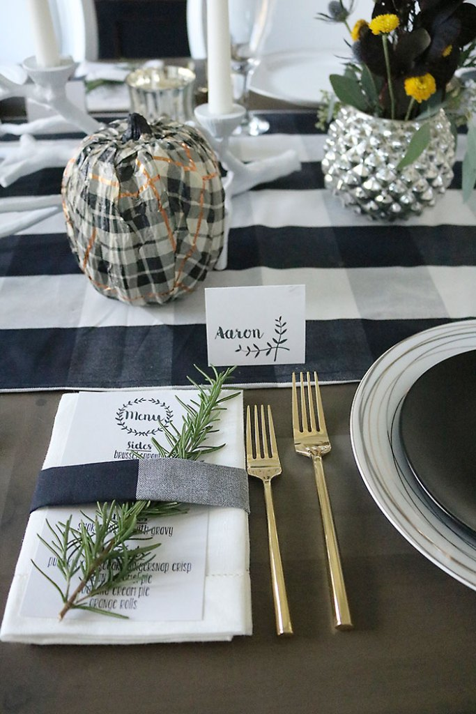 thanksgiving-menu-table-setting