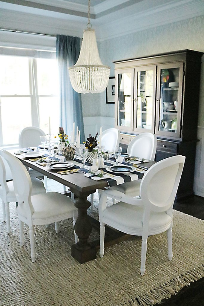 thanksgiving-table-decorations-dining-room