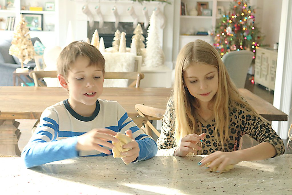 making-sugar-cookie-children