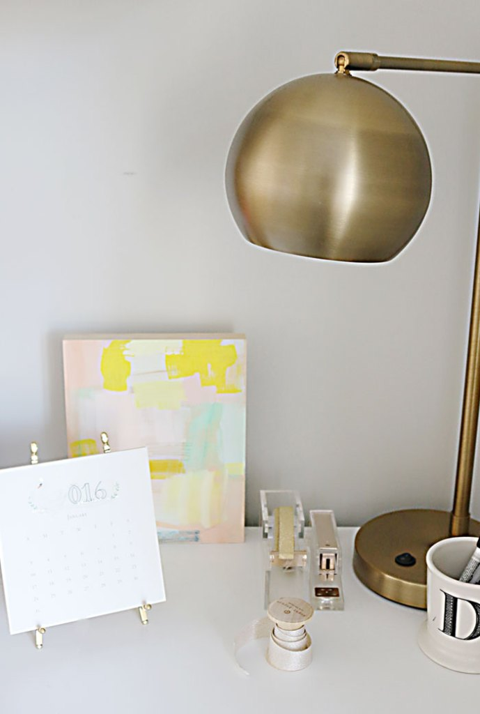 2016-desk-calendar-with-brass-lamp