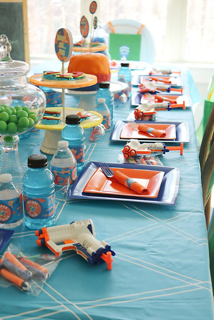 nerf-gun-birthday-party-table