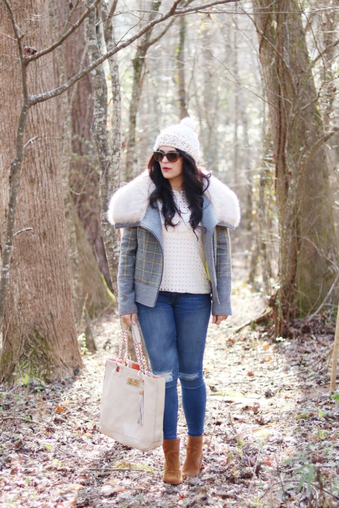 plaid-fur-winter-coat-and-white-mutze-hat