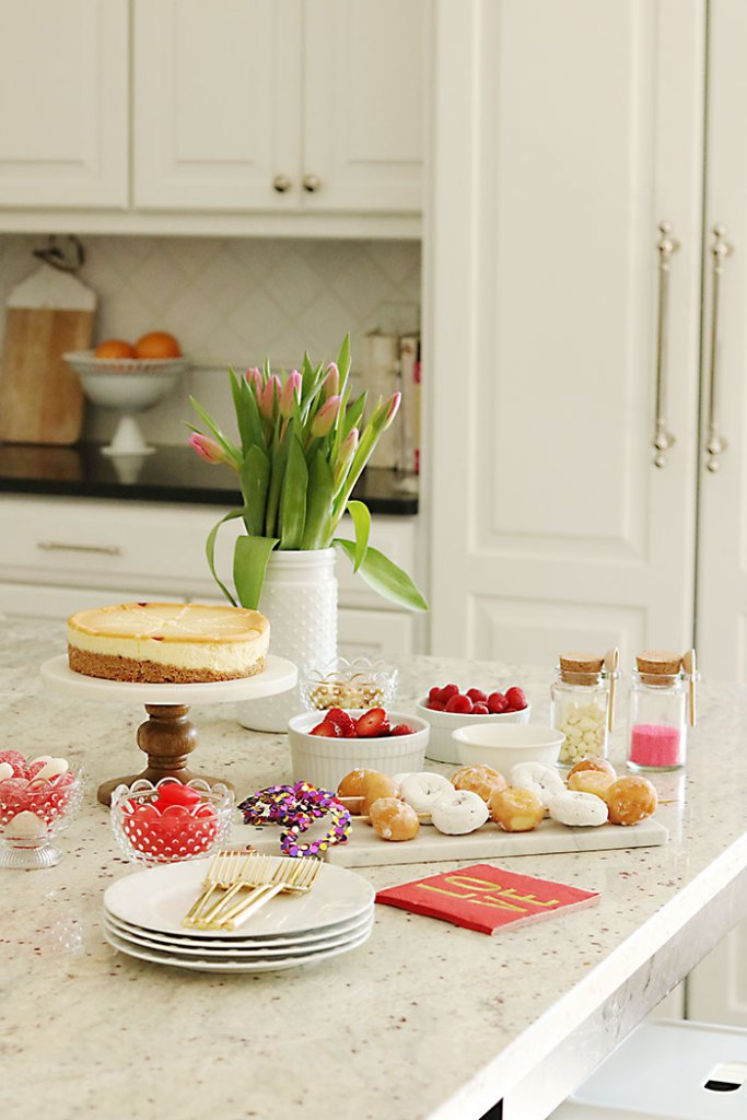 Valentine-party-Cheesecake-bar
