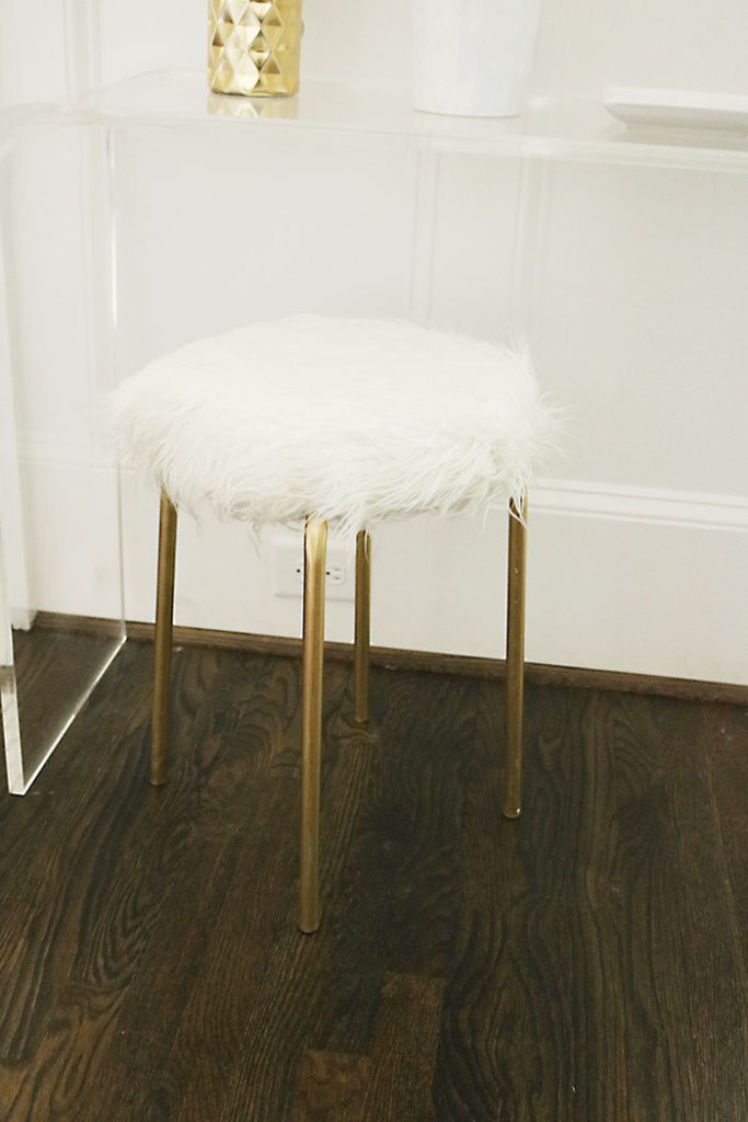 diy-ikea-hack-white-fur-stool-gold-legs