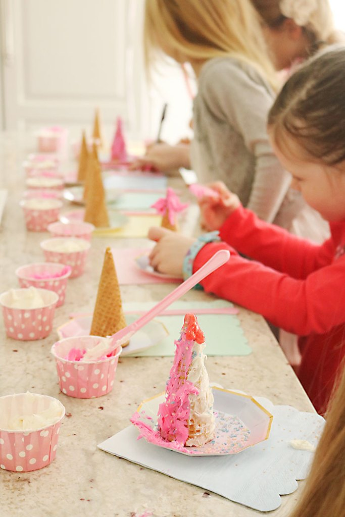 unicorn-birthday-party-decorating-cones