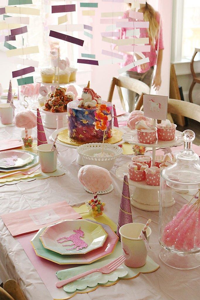 unicorn-birthday-party-table