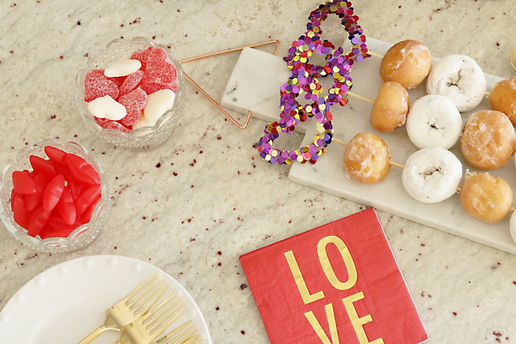 valentine-party-cheesecake-donuts-feature