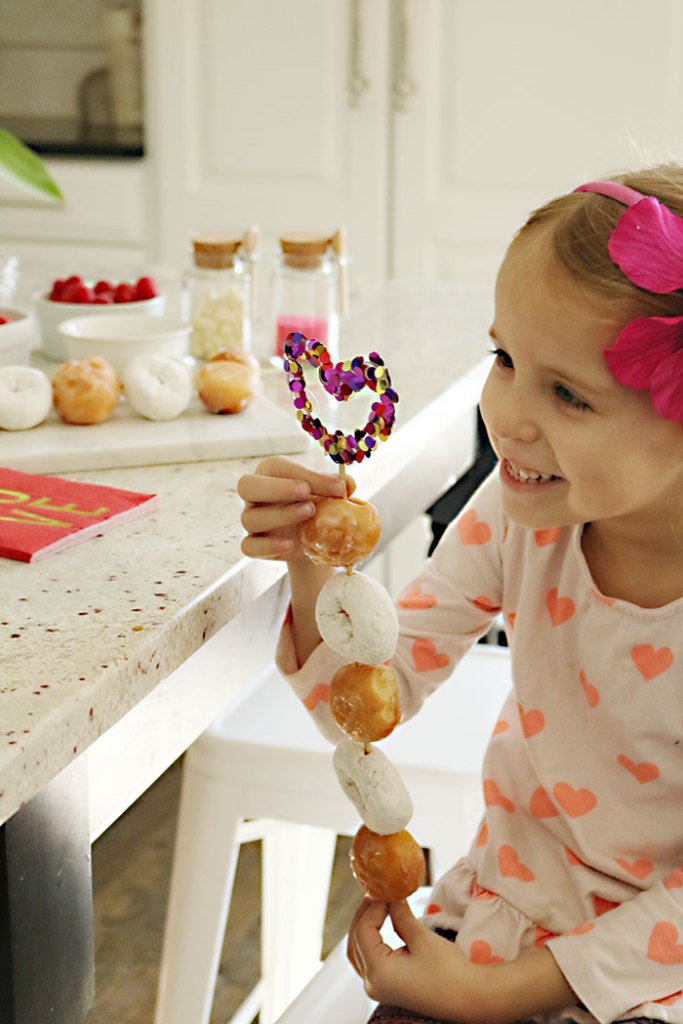 valentine-party-with-donut-skewers