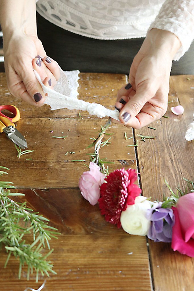 DIY-flower-crown-adding-ribbon