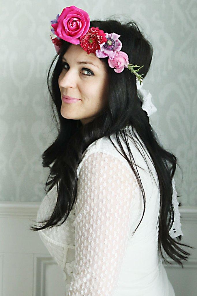 DIY-flower-crown-boho-adjustable, DIY-flower-crown, how to make flower crown for child or adult, flower crown for wedding, easter flower crown, flower headband