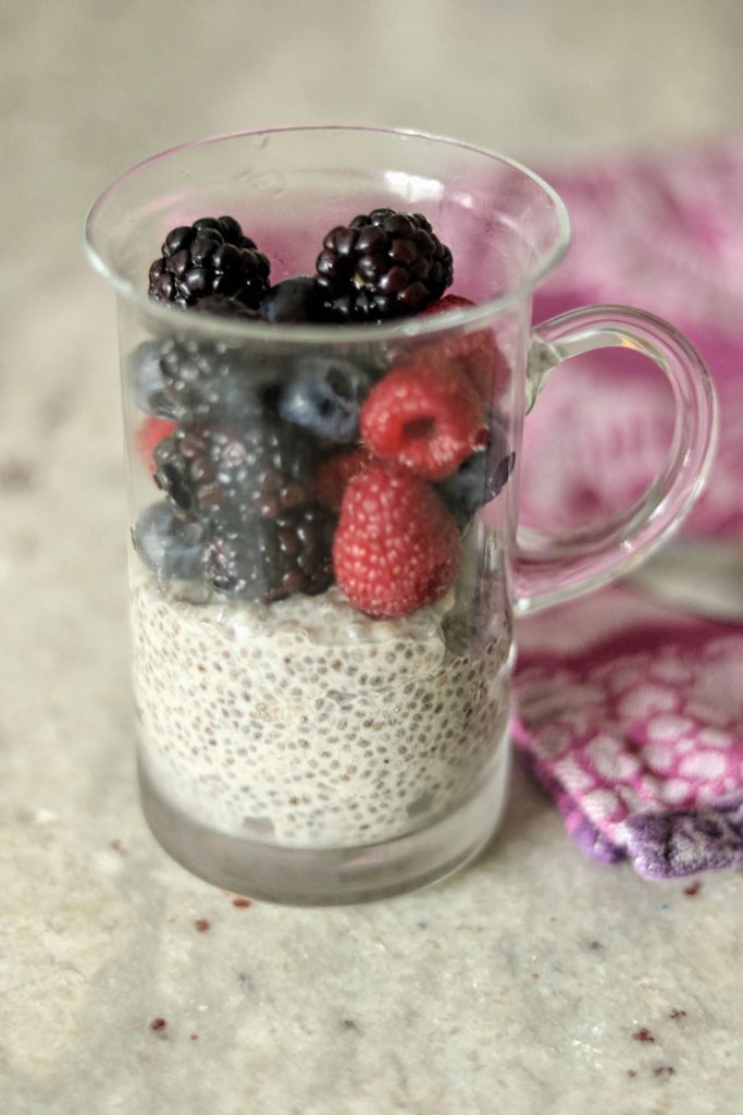 chia-seeds-pudding-with-fruit