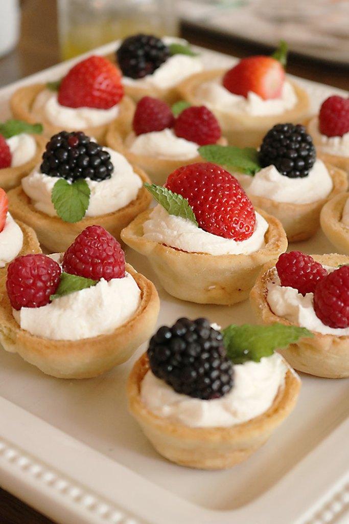 garden-party-dessert-finger-foods