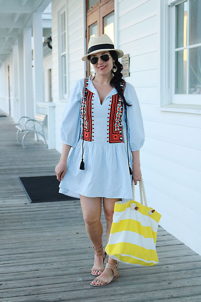 beach-cover-up-in-seaside