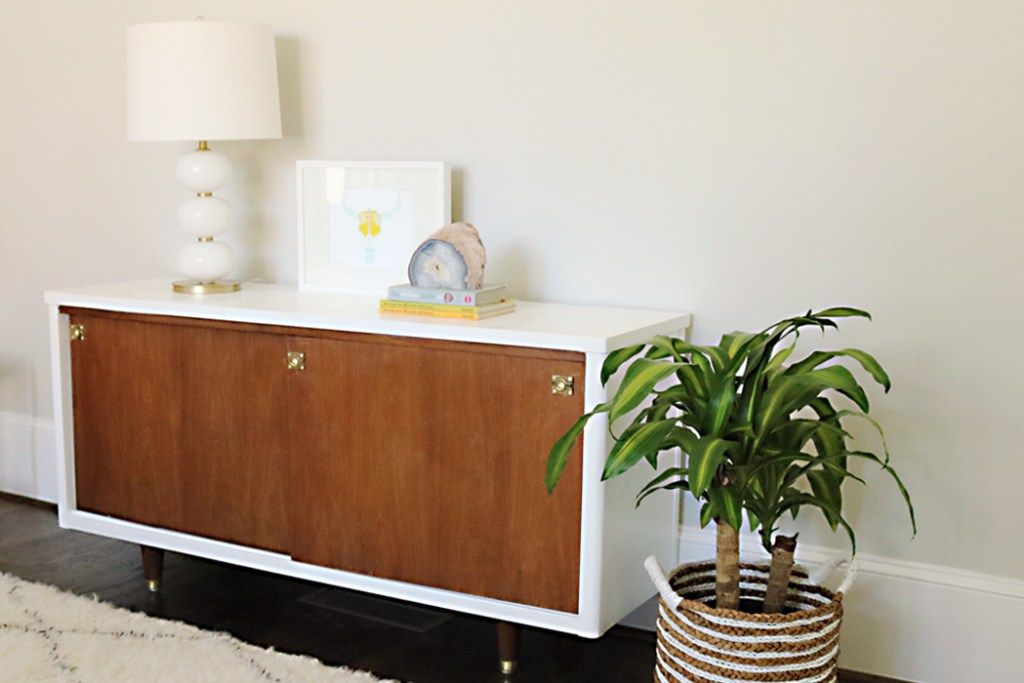 mid century credenza make over with lacquer paint
