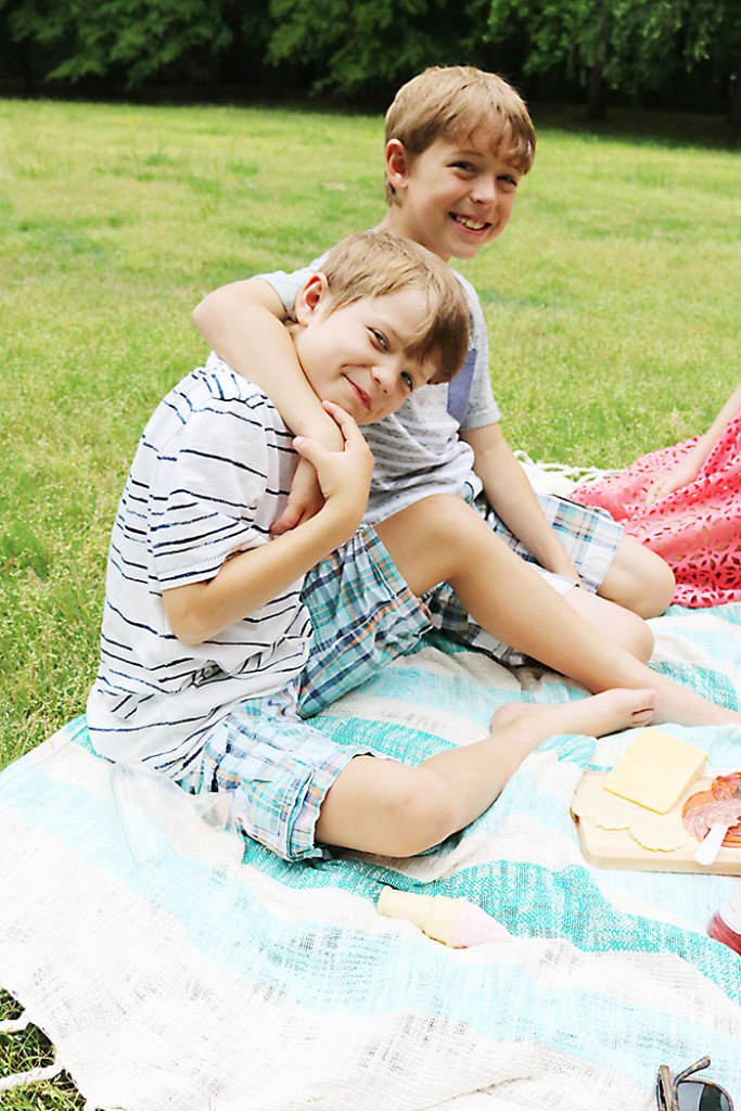 mothers-day-picnic-brothers
