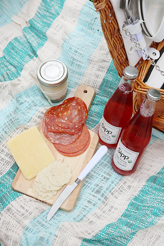 mothers-day-picnic-with-cheese-and-meat
