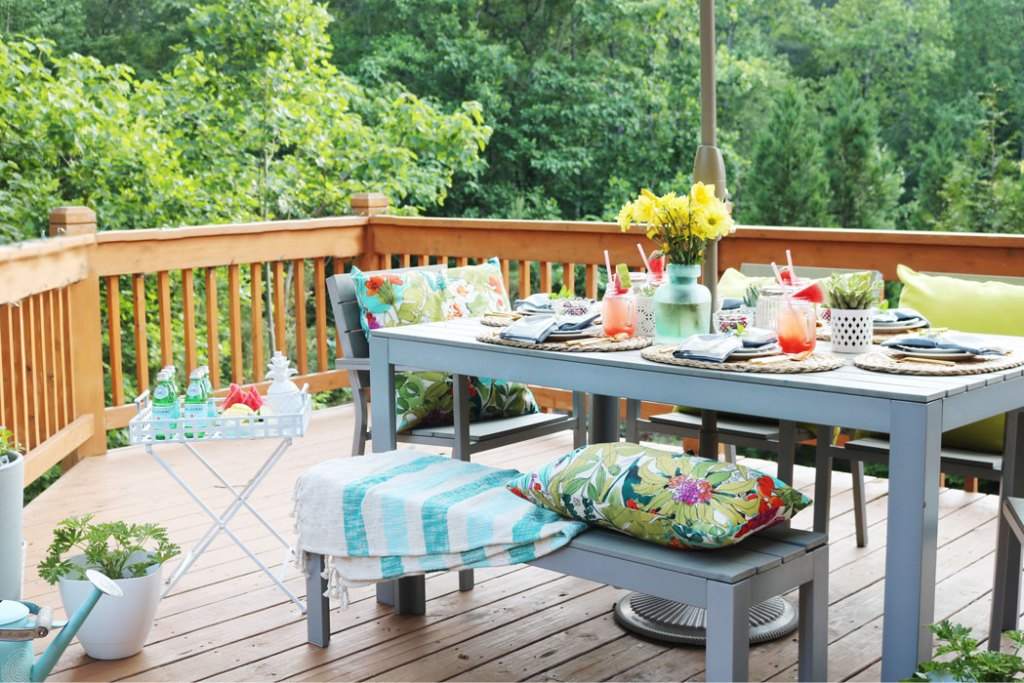 patio-table-set-up-barbecue-ideas