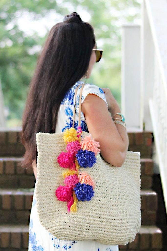 diy-pom-pom-bag-for-summer