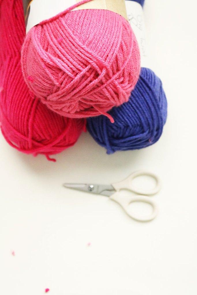 yarn-in-bulk-for-pom-pom