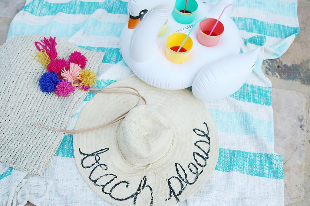 diy-word-script-straw-hat-little-swan