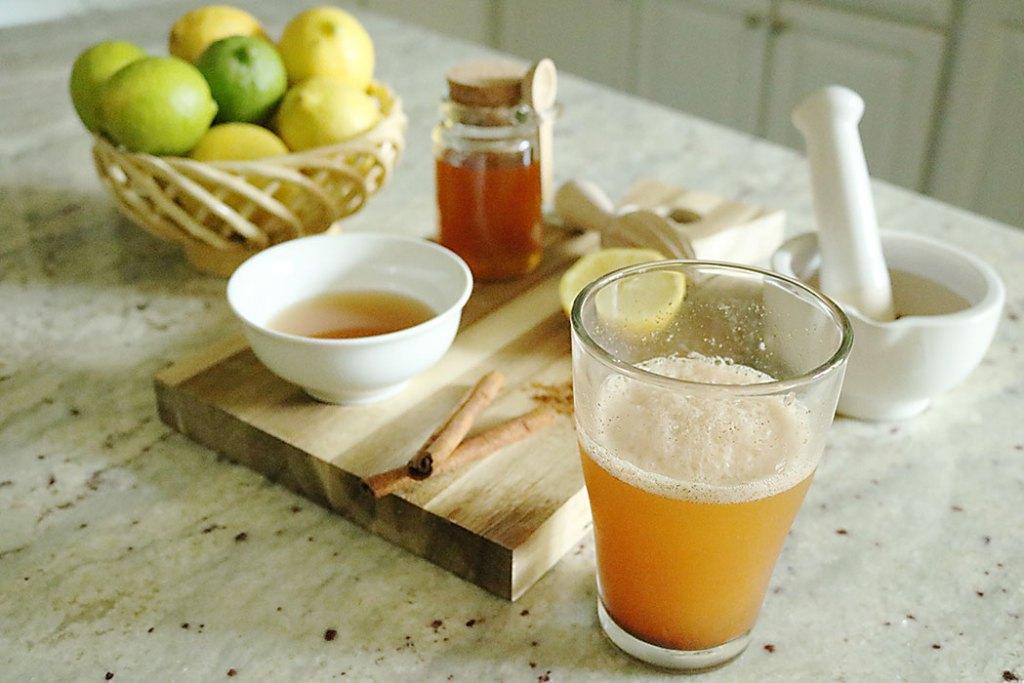 raw-apple-cider-vinegar-drink-in-morning