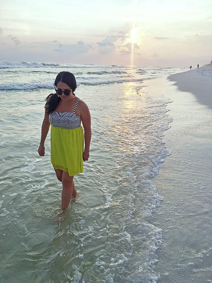 florida-sunset-walk-on-beach
