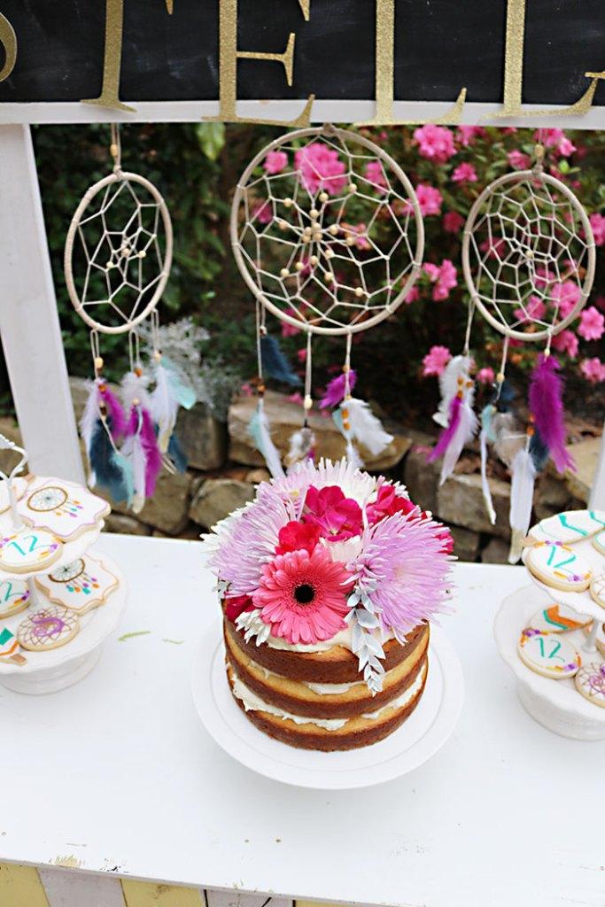 boho-birthday-cake-with-dream-catchers