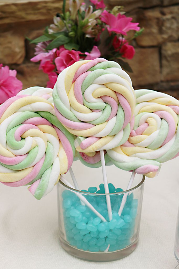 boho-marshmellow-lollipops
