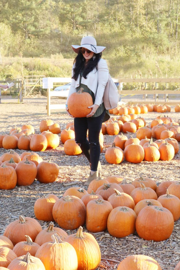 fall-to-do-list-pumpkin-picking