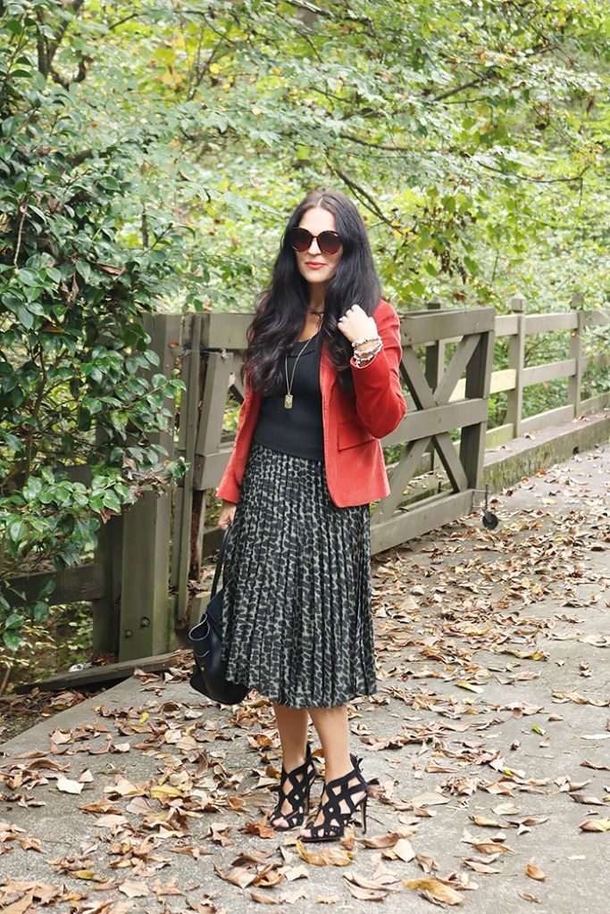 classy fall outfit, elegant fall outfit, fall styling, add a blazer to fall outfit, boden fall clothes, fall outfits for women, for moms, cute fall outfits, fall outfits for work, with boots, preppy fall outfits