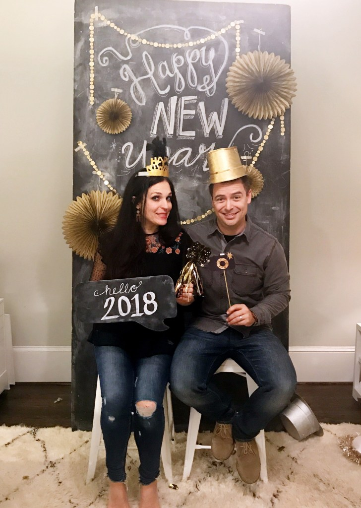 Use these 10 Tips for Throwing a New Year's Eve Family Party for a successful NYE party for the whole family  and friends to enjoy and ring in the new year with Party ideas and game ideas for children and adults. || Darling Darleen #newyear #newyeareveideas #darlingdarleen #darleenmeier