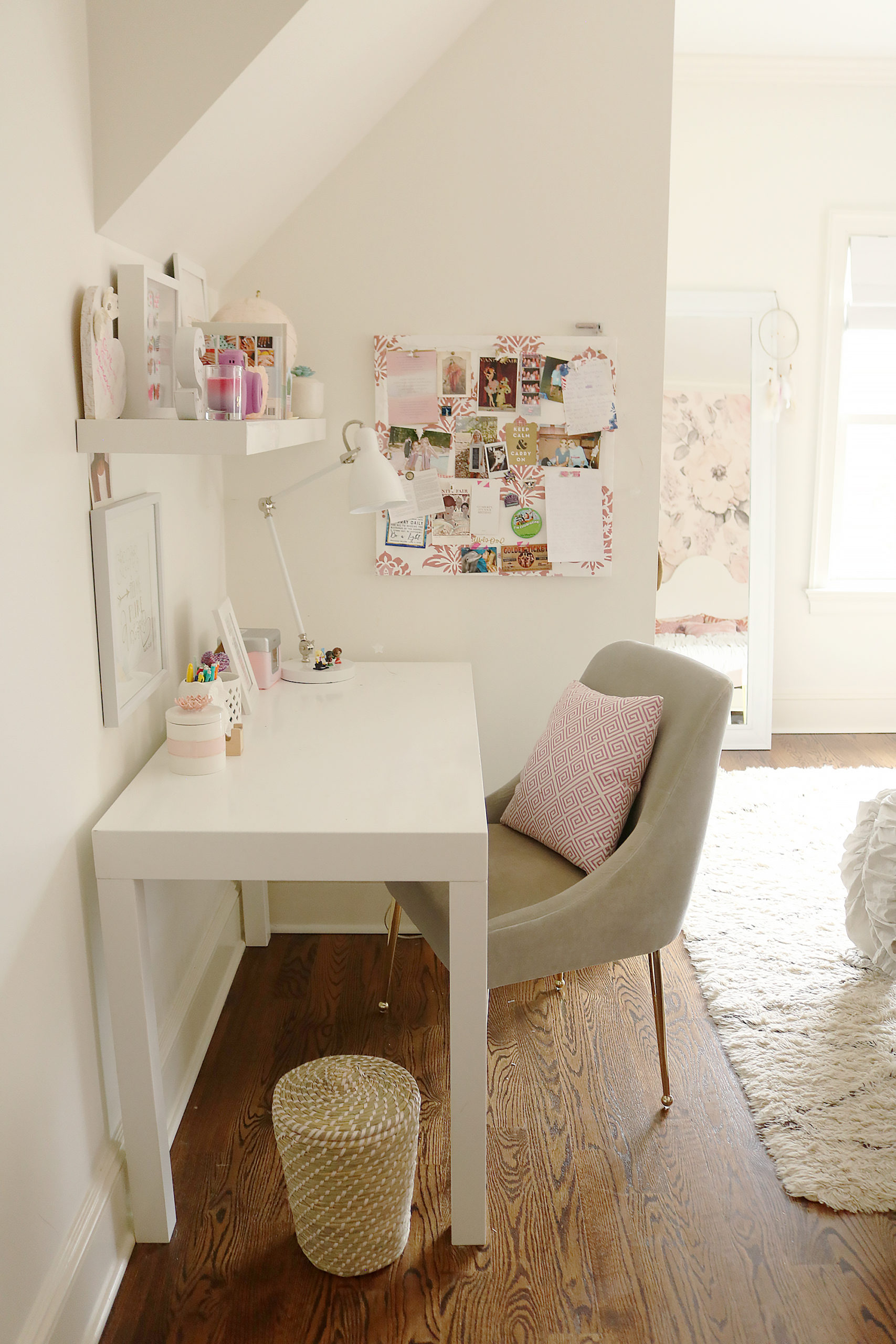 Girl Teen Bedroom White Desk With Anthropologie Velvet Chair Pin Board Darling Darleen A Lifestyle Design Blog